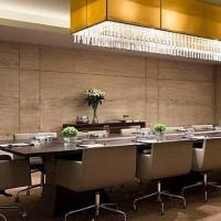 J W Lounge (J W Marriott Hotel)