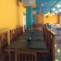 Old Tehrii Cafe & Lounge