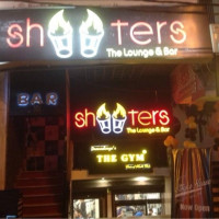Shooters Cafe & Bar