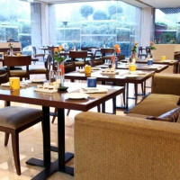 24 By 7 Pastry Shop (The Lalit Hotel)